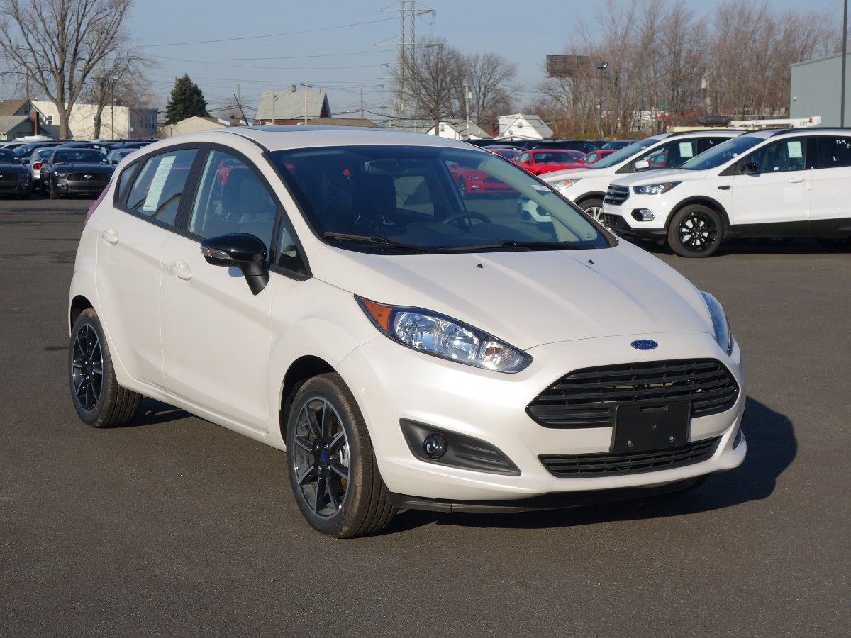 certified pre owned 2016 ford fiesta se hatchback in staten island 142055a dana ford. Black Bedroom Furniture Sets. Home Design Ideas